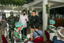Gelar vaksinasi massal di SIER Surabaya jadi percontohan