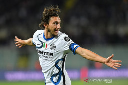 Inter lanjutkan tren kemenangan, bekuk 10 pemain Fiorentina