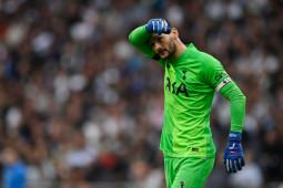 Kami hancur lebur, kata kiper Hotspur Hugo Lloris usai dibantai Arsenal