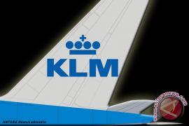 Suruh ibu menutupi tubuh saat menyusui bayi, KLM dikecam