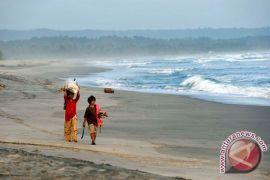 Guncangan akibat gempa di Laut Jawa dirasakan di wilayah yang sangat luas