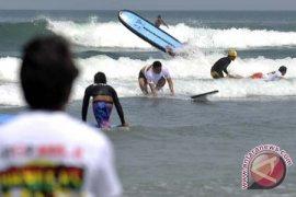 """""""Surfing"""" jadi magnet pariwisata minat khusus"""
