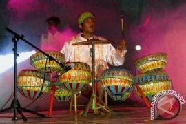 Musik dol dan grup band meriahkan takbiran di Bengkulu
