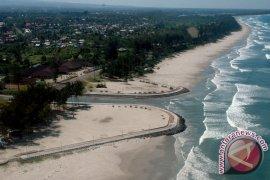 Tiga Remaja Tewas Terseret Ombak di Bengkulu