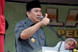 Cagub Bengkulu ajak masyarakat tunggu hasil penghitungan KPU