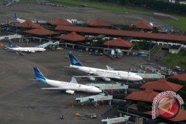 Bandara Adi Soemarmo masih ditutup