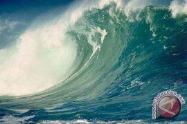 Tinggi gelombang di Merak-Bakauheni dua meter