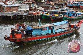 Nelayan Bengkulu Tak Melaut Akibat Cuaca Ekstrem