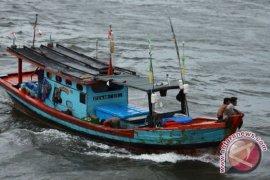Satu Kapal Nelayan Mukomuko Karam Diterjang Ombak