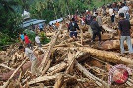 Tim SAR evakuasi 50 warga Limau Manis