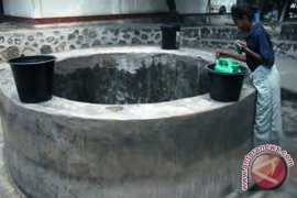 Seorang warga tewas terperosok sumur 12 meter di Matraman, Jakarta Timur
