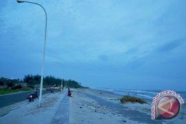PMI Siagakan Relawan di Pantai Panjang Bengkulu