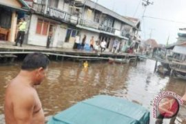 """""""Kantong"""" Penduduk Miskin Di Pontianak Pinggiran Sungai"""