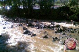 Korban musibah banjir di Lebong minta bronjong
