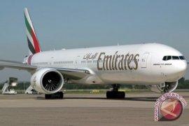 Maskapai  Emirates berikan vaksin COVID kepada staf