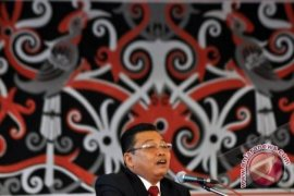 Ketua DAD Kalbar Minta Masalah Diputuskan Melalui Musyawarah Adat