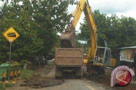 "Pemprov Bengkulu Hentikan Perbaikan Jalan ""H-7"" Lebaran"