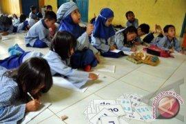 Kubu Raya Berikan Insentif Untuk Guru TK/PAUD