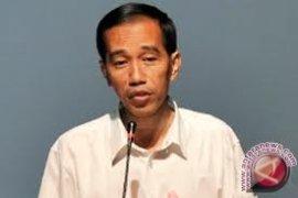 "Jokowi ""blusukan"" usai shalat Idul Adha"