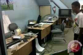 Maling Bobol Kantor FIF Sanggau