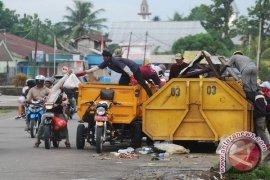 DLH Rejang Lebong Kesulitan Tarik Kontainer Sampah