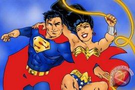 Superman - Wonder Woman Dipersatukan Sebagai Pasangan