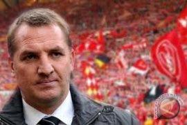 Pelatih Liverpool Rodgers didenda karena komentari wasit