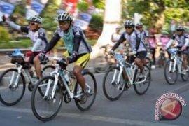 Jelajah Sepeda Bali-Komodo Dikritisi