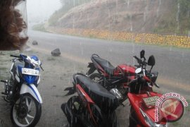 BMKG: Sebagian Bengkulu diguyur hujan disertai angin kencang