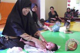 HKN Dimeriahkan Pijat Bayi dan Senam Ibu Hamil