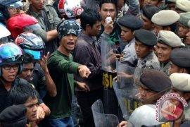 120 Polisi Kawal Demonstrasi Mahasiswa UBB