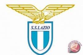 Lazio pinjam pemain Manchester United Andreas Perreira