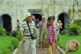 Kapal pesiar pembawa 97 turis singgahi Bengkulu