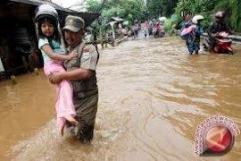Ribuan korban banjir Rokan Hulu diserang penyakit