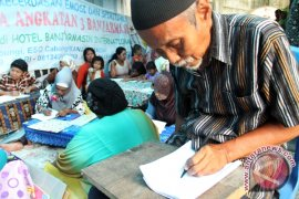 Kodim 1008 Tanjung Tuntaskan Buta Aksara