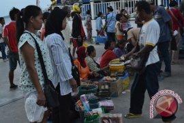 Pedagang Asongan Dilarang Masuk Dermaga Pelabuhan Nunukan