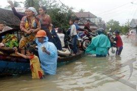 Lalin Tol Tangerang - Merak Dialihkan Akibat Banjir