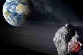 Asteroid Sebesar rumah Melintas Dekat Bumi Minggu