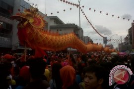 6 Naga Lakukan Ritual Bersihkan Kota Pontianak