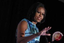 Michelle Obama Ajak Konsumsi Air Putih