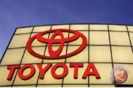 Dua Sedan Kompak Toyota Ikut Kejurnas Slalom