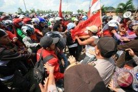 Polisi Telusuri Provokator Terkait Demo Buruh
