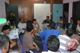 Sopir Angkot di Nunukan Protes Antrean BBM