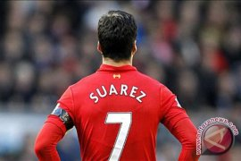 Gigit pemain Chelsea, Suarez terima dakwaan FA