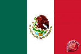 Pesepeda telanjang macetkan jalanan Meksiko