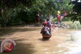 35 Sekolah Bekasi Terendam Banjir