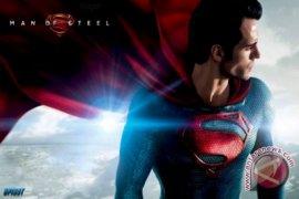 "Pertarungan Superman - Batman di Sekuel ""Man of Steel"""