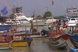 Nelayan Muaragembong keluhkan berkurangnya tangkapan rajungan