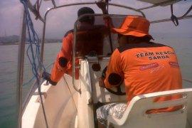 Tujuh nelayan hilang diterjang gelombang tinggi di Selat Sunda