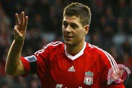 Henderson bersyukur memiliki Gerrard sebagai teladan
